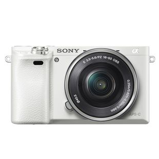 Sony Alpha A6000LW KIT (белый)